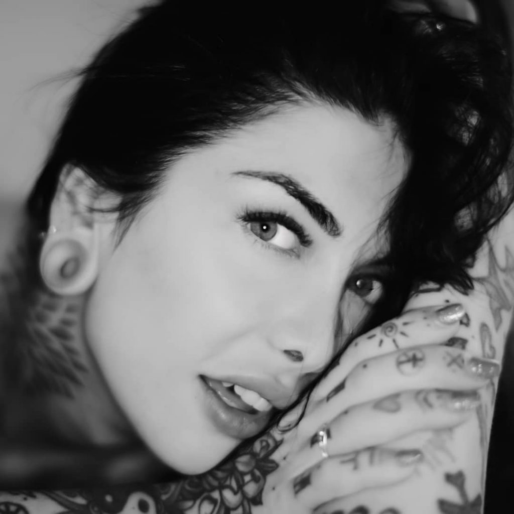 A day with @indacosuicide #blackandwhitepicture #bnw #bnwportrait #bnwphoto #blackandwhite #blackandwhiteportrait #blackandwhitephoto #bnwpicture #bnwmood #portraits #tattoo #tattoos #tattoomodel #tattoogirl